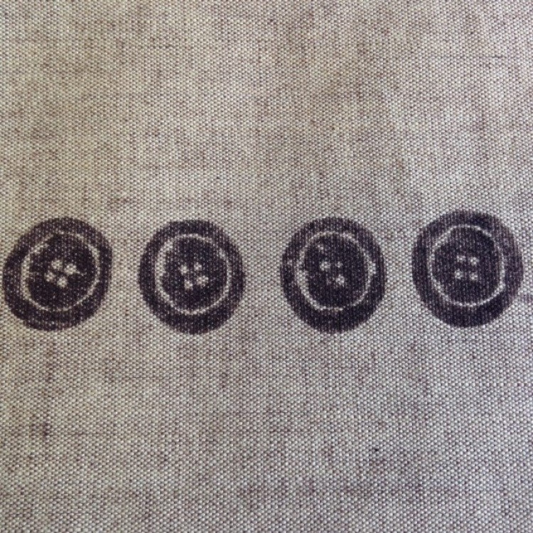 Border Brown Buttons on Linen Look